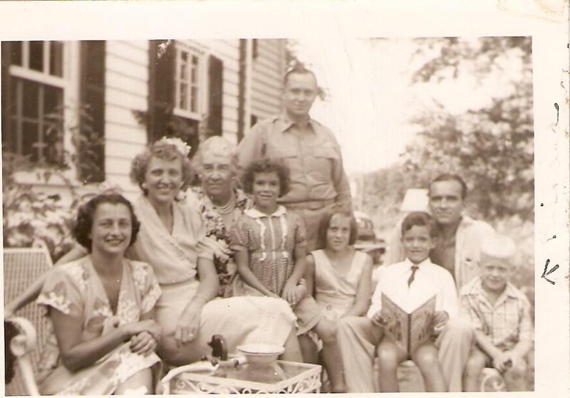 1945 Lil & Arthur, Joy & Artie visiting the elder Calfees.jpg