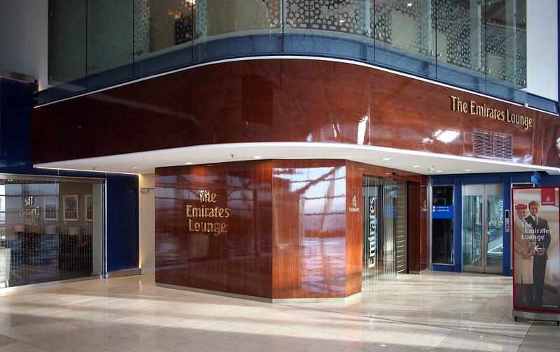 P5227382-the-emirates-lounge.JPG