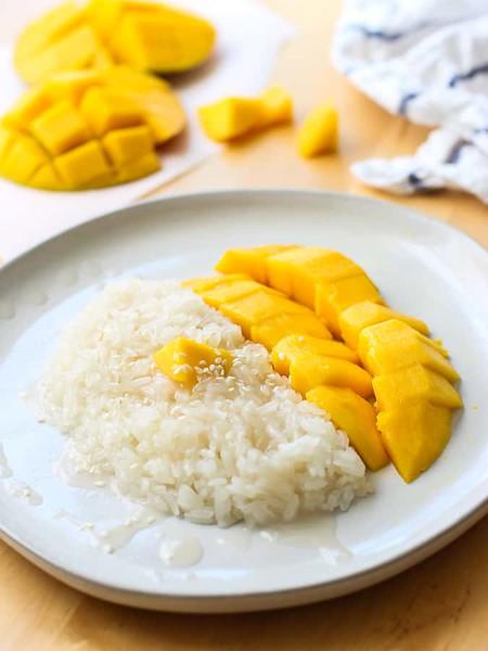 Vegan Thai recipes - Thai Mango Sweet Sticky Rice