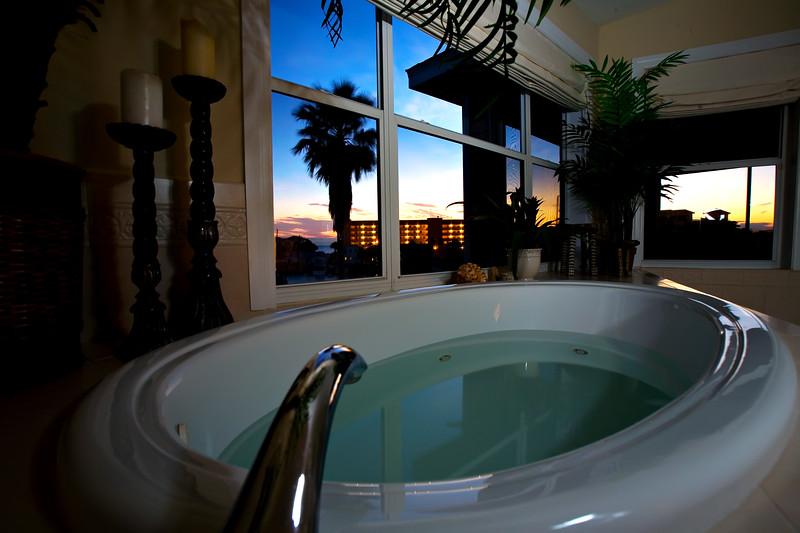 jacuzzi  tub.jpg