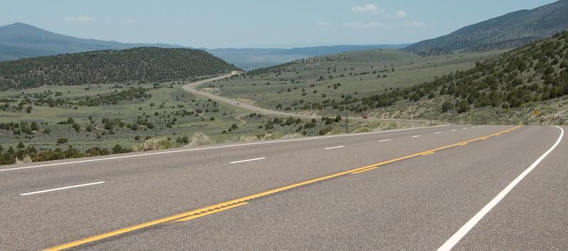 Day 6: Leaving Torrey...Highway 24 through the Awapa Plateau