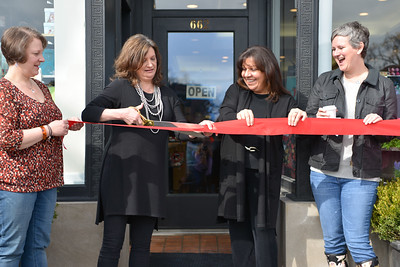 Lake Forest Book Store Ribbon Cutting