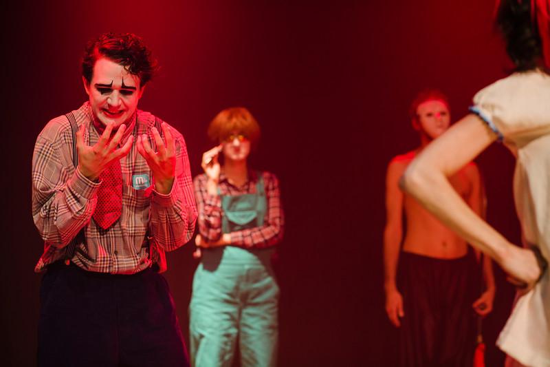 Allan Bravos - essenCIA Teatro - Persona 07-501.jpg