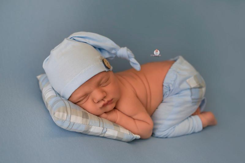 newborn-photographer-nj-7469Chace WEB.jpg