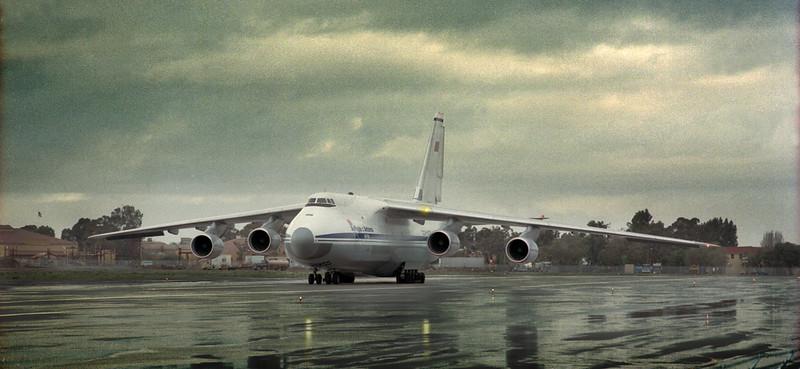 Antonov124 modcrop.jpg