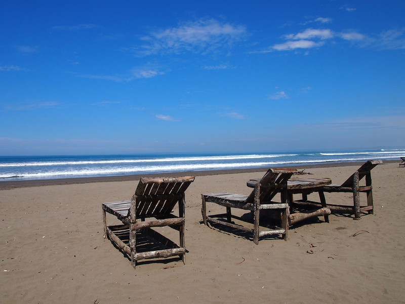 P4096506-beach-chairs.JPG