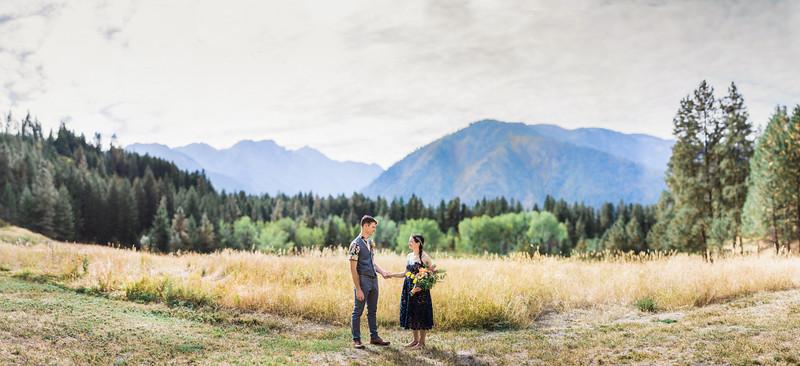 Elizabeth and Joes Super Secret Elopement to Leavenworth