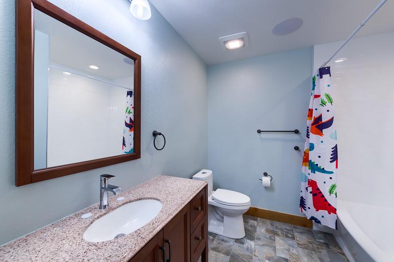 Full Bathroom.jpg