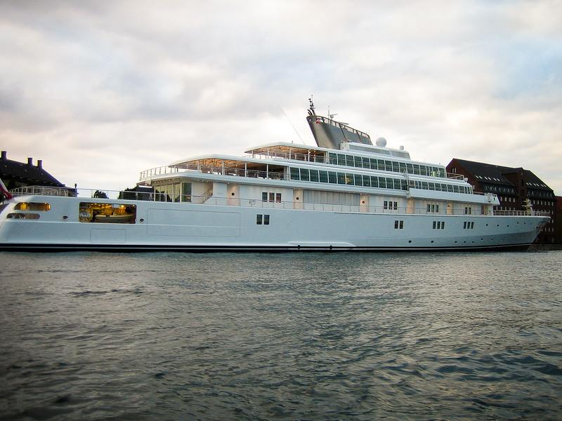 Larry Ellison, Oracle, yacht