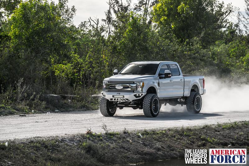 Champion4x4-Juan.S-White-2017-Ford-F250-Polish-Black-24x14-Tactical-Crown-WEB-180131-DSC00311-69.jpg