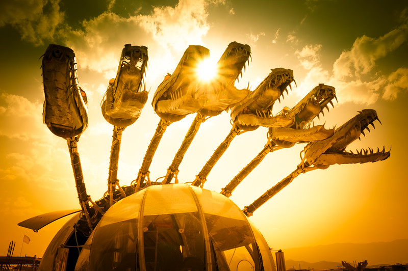 seven-headed-hydra-art-car-burning-man-2013.jpg