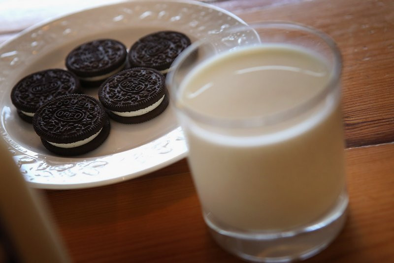 """. <p>9. OREOS <p>As addictive as cocaine, but kill you much faster. (10) <p><b><a href=\'http://www.csmonitor.com/Science/2013/1016/Oreos-addictive-Rats-treat-Oreos-like-cocaine-study-suggests\' target=\""""_blank\""""> HUH?</a></b> <p>    (Scott Olson/Getty Images)"""