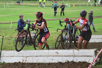 Central League CX Ladies race