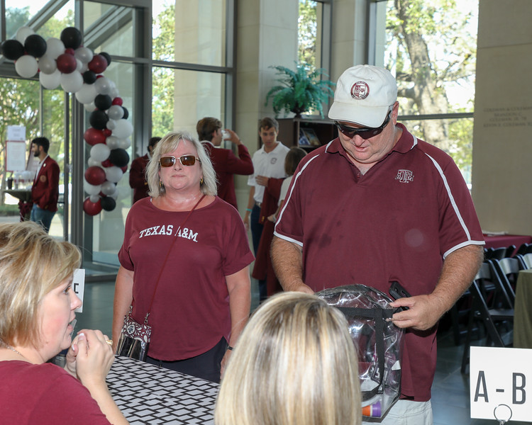 Foundation Tailgate_9.14.19026.jpg