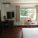 guest-room-high-five-yangon-airport-hotel-myanmar.jpg