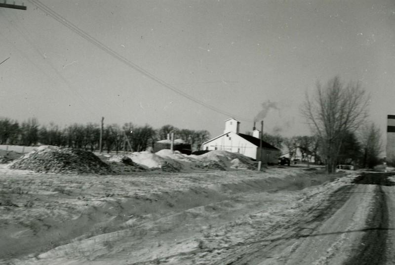 JA103.  Corn piles  – 1937‡.jpg