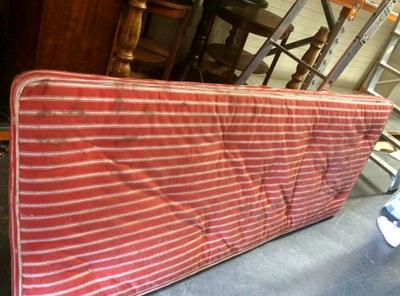 single-mattress-red.png