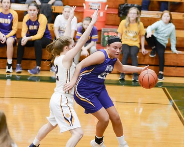 Olmsted Falls barrage of three-pointers sinks Avon