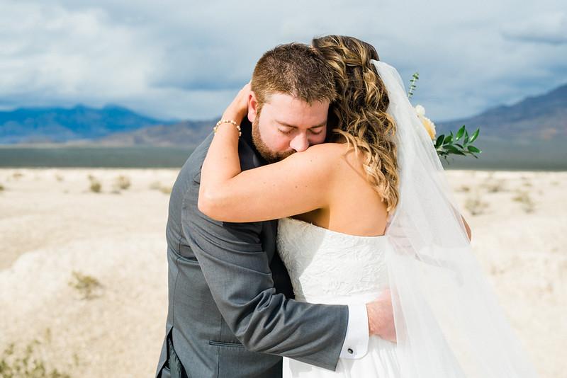 Las Vegas Elopement in the desert with mountain veiws - Elopement vs Wedding -Kristen Krehbiel Kristen Kay Photography-15.jpg