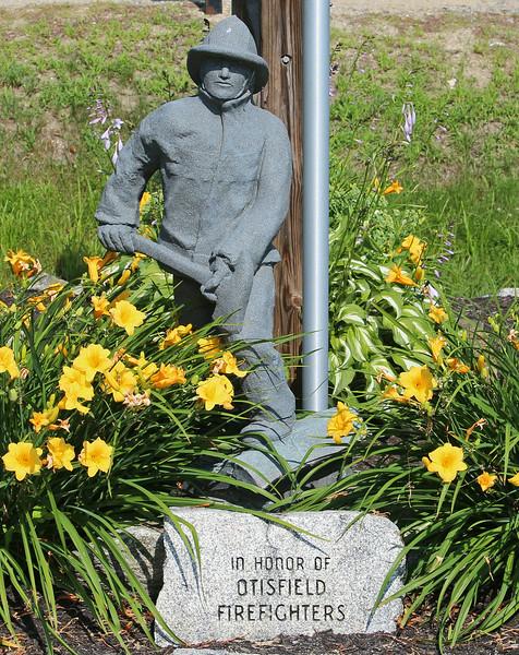 Close up of Otisfield, Maine Memorial