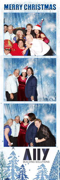 2018 ALLY CHRISTMAS PARTY BOOTH STRIPS_33.jpg