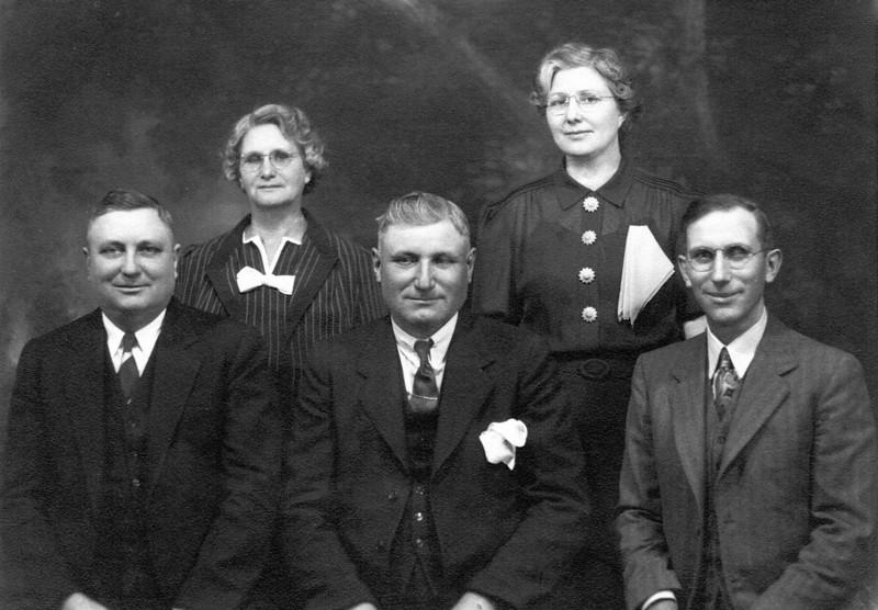 Lille Kipp Siegfried, Mabel Kipp Fitzpatrick, Edward Kipp, Manuel Kipp, Earl Kipp thumbnail.jpg