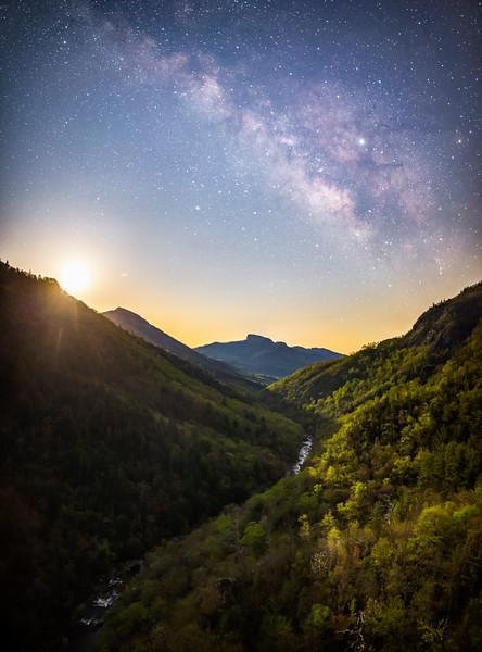 Lnville Gorge Moonrise