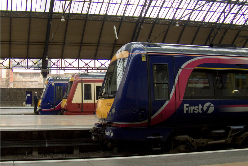 170402, 170470, 170409 lined up at Glasgow Queen Street