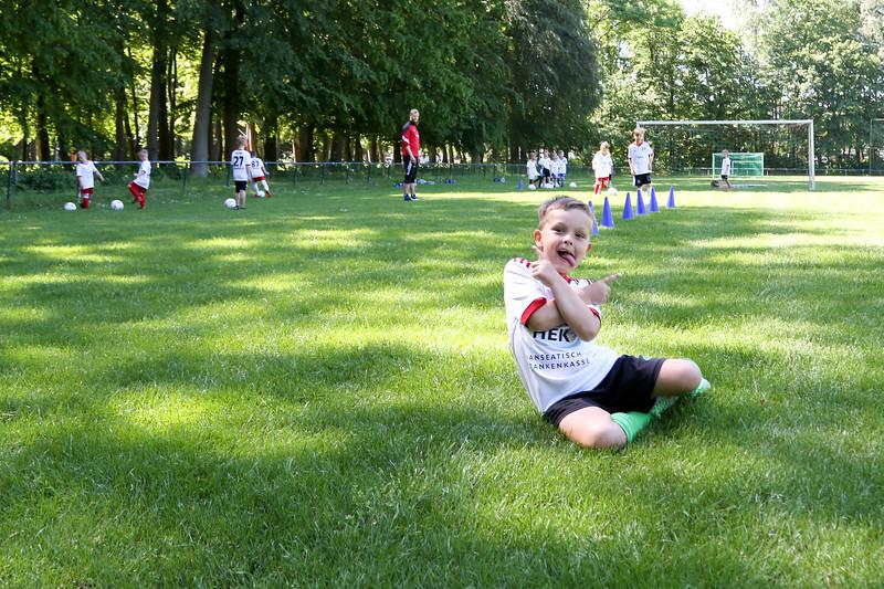 hsv_fussballschule-115_48048027142_o.jpg