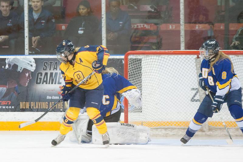 20130310 QWHockeyvsUBC 577.jpg