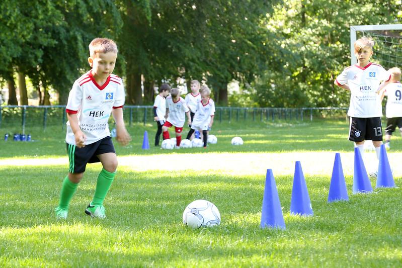 hsv_fussballschule-113_48047949701_o.jpg