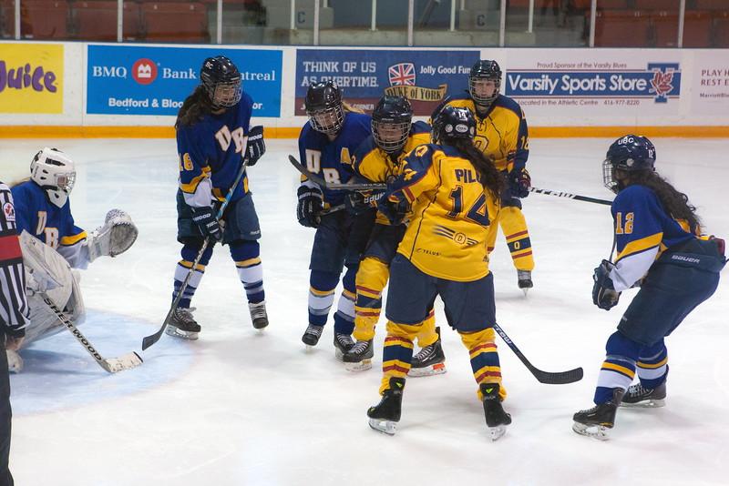 20130310 QWHockeyvsUBC 369.jpg