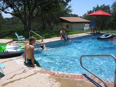 2008-06 Trip to California - Swimming at Joe's