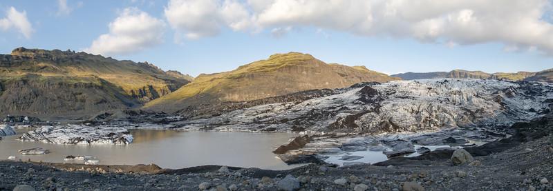 Hier kamen wir ganz nahe an einen der Gletscher.