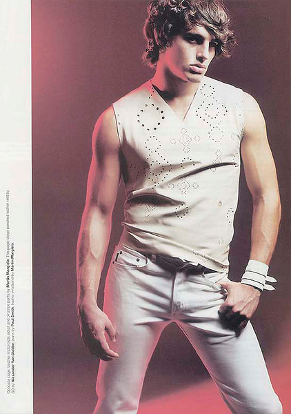 Creative-space-artists-hair-stylist-photo-agency-nyc-beauty-editorial-alberto-luengo-mens-grooming-male-model-18.png