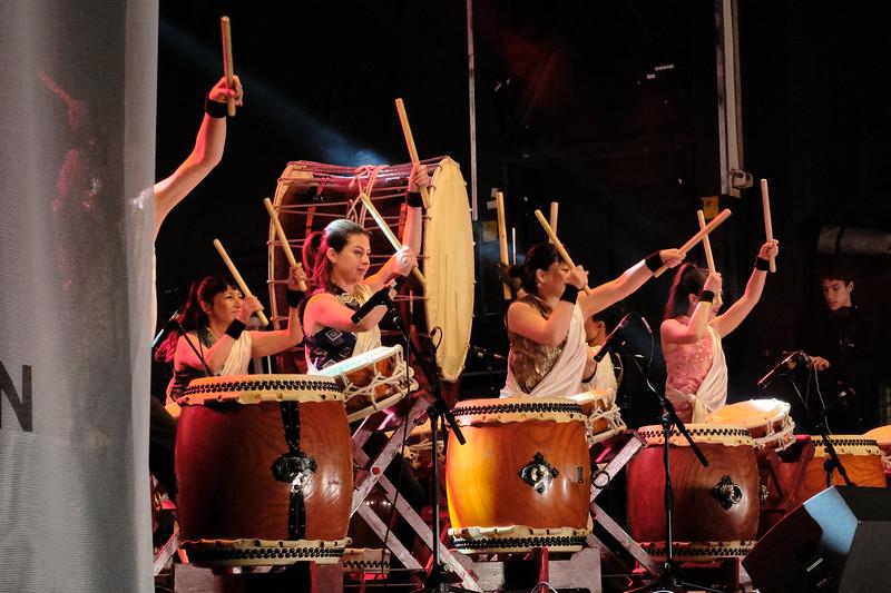 Joji Hirota and the London Taiko Drummers