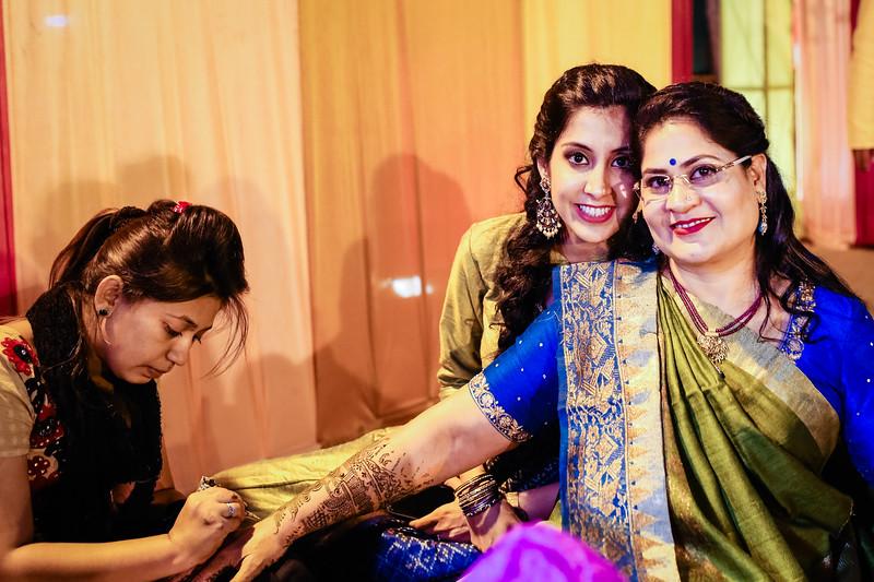 Candid Wedding Photographer Ahmedabad-1-26.jpg