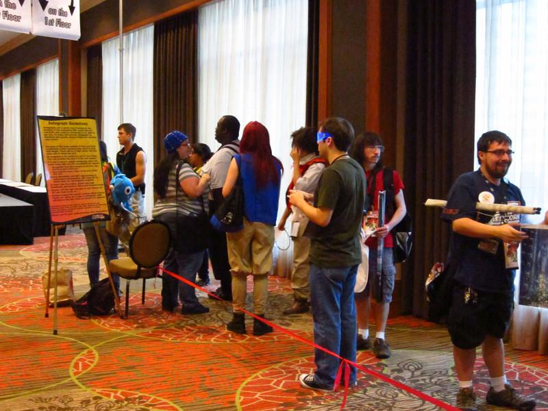 autograph crowd