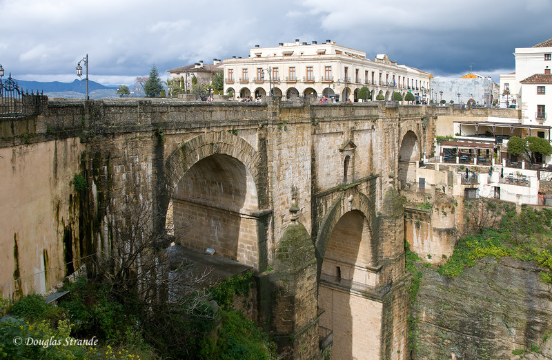 Mon 3/14 in Ronda: Another view of the bridge