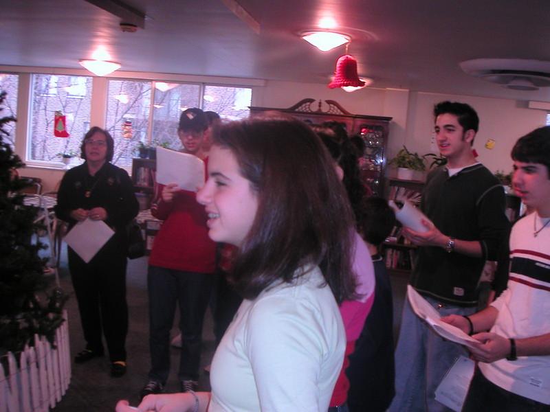 2002-12-14-GOYA-Christmas-Caroling_007.jpg