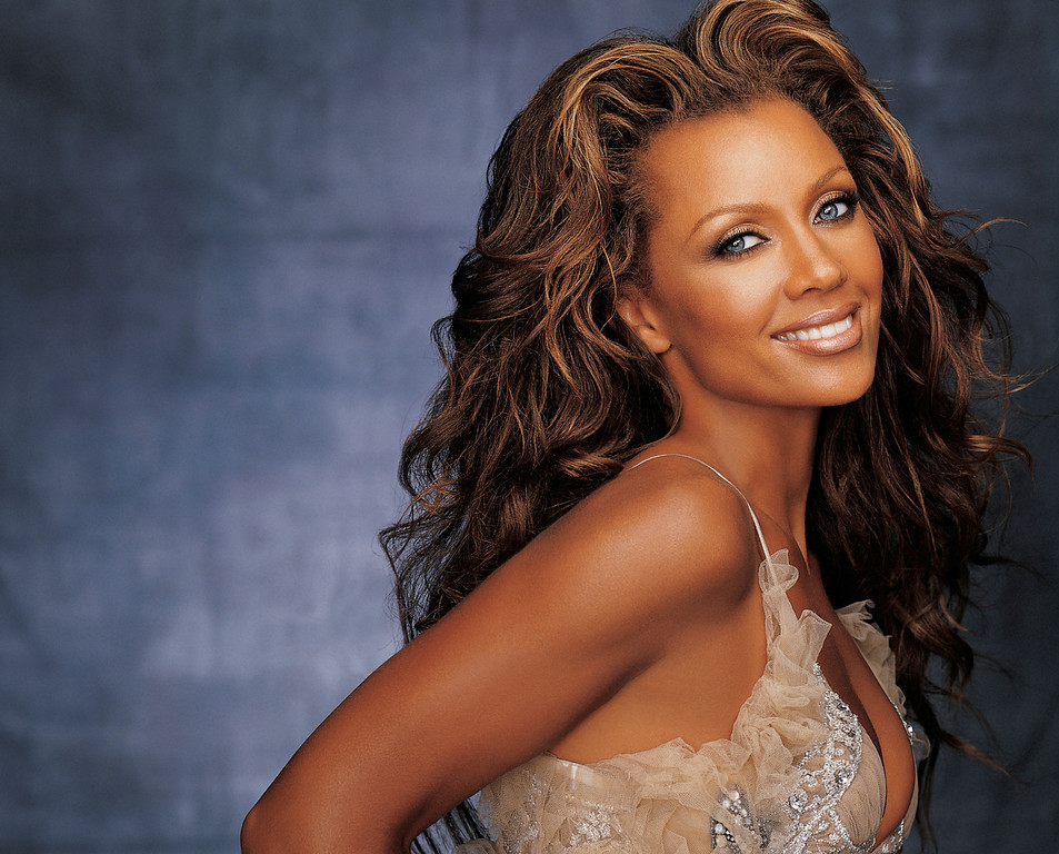 . In this undated photo released by the Syracuse Symphony Orchestra,  Vanessa Williams is shown. The actress and singer plans to pull double duty during her return to Syracuse: performer and mom. After a decade away, Williams will help the Syracuse Symphony Orchestra open its 45th season on Wednesday, Sept. 27, 2006, with a program of her hits. Earlier in the day, she will accompany her high school senior daughter Jillian on a visit to Syracuse University, where Williams attended classes when she first broke onto the national scene 23 years ago. (AP Photo/Syracuse Symphony Orchestra)