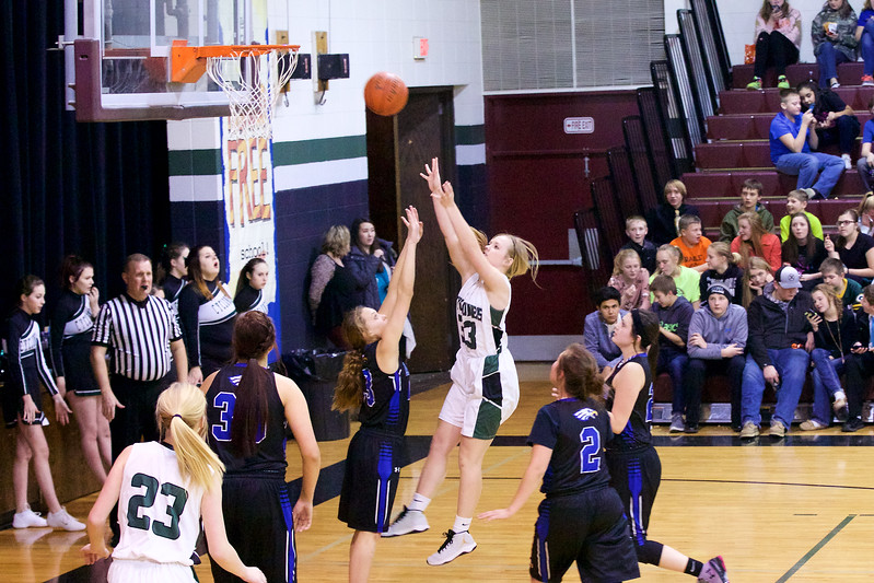 '17 Cyclones Girls Basketball 423.jpg