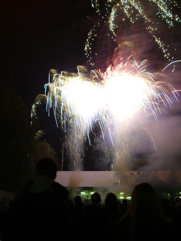 2004_1105putneyfireworks20052.JPG