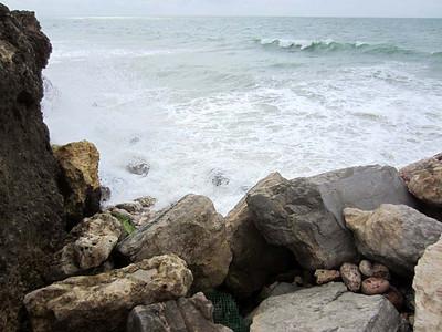 Albufeira, Algarve :  along the beach [Vivienne]