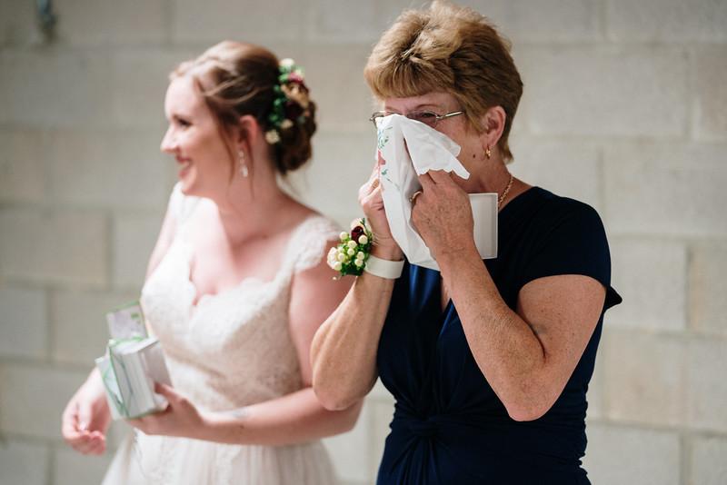 rustic_ohio__fall_barn_wedding-169.jpg