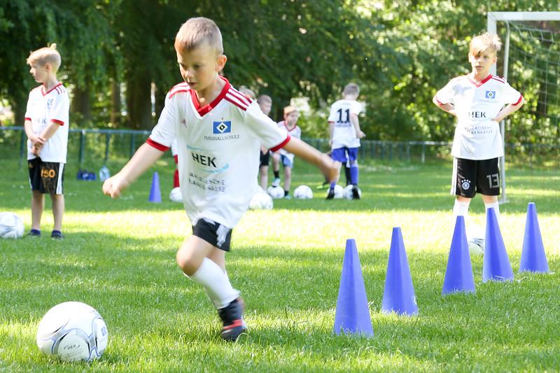 hsv_fussballschule-107_48047949576_o.jpg