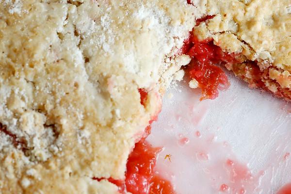 Homemade Rhubarb Crumble-052218