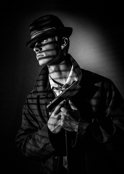 2018_Austin-Bentley_Senior-FilmNoir-152-Edit