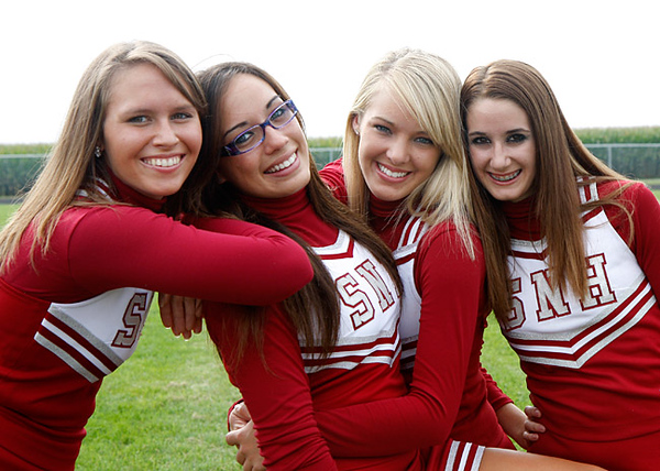 SN MS/HS Cheerleading Team 09-10