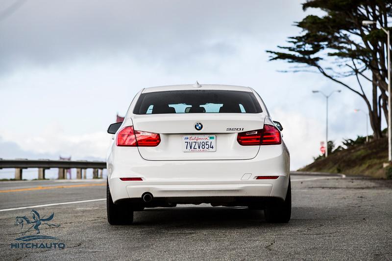 BMW 320i White 7VZV8584_LOGO-2.jpg